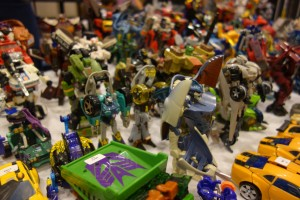 tfcon-toys1