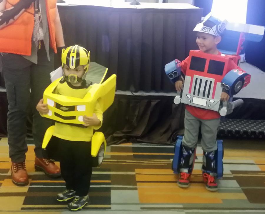 TFcon costume kids